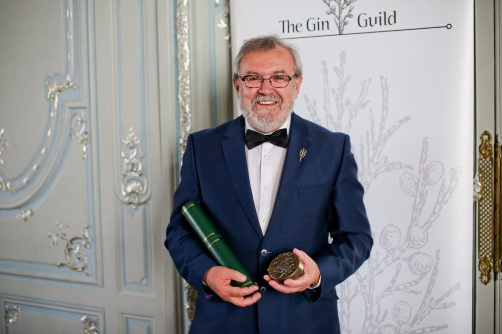 Tanqueray Master Distiller receives award at the Gin Industry Annual Dinner