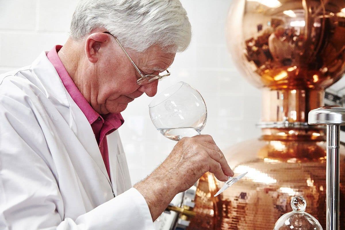 Edward Kain, Master Distiller at 6 O'clock Gin